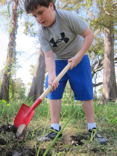 4H kid shovel.jpg