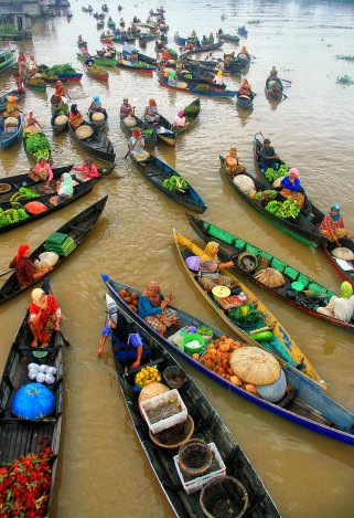 Floating Market - 2012-06-25_123883_sense-of-place.jpg