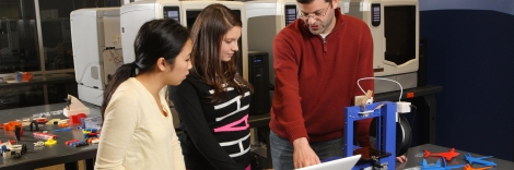 Curry School Program introduces 3D printers to Middle School students