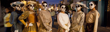 Day of the Dead Catrinas on Parade - 2011-07-06_62671_travel-portraits.jpg