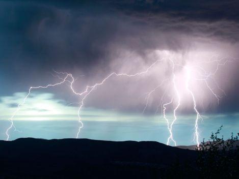 lightning 13-57-35