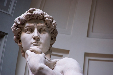 This view of the David shows that Michelangelo carved the Biblical hero as a southpaw—left-handed, like Michelangelo himself.  Photograph by Starkoss, courtesy Wikimedia. CC-BY-SA-4.0