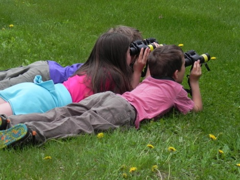 Kids birdwatching