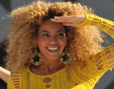 Beyoncé Giselle Knowles-Carter is a young poet from Houston, Texas. Who inspires her? Photograph by Asterio Tecson, courtesy Wikimedia. CC-BY-SA-2.0