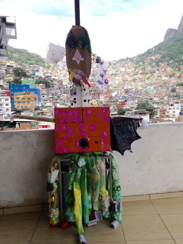favela-monster-2