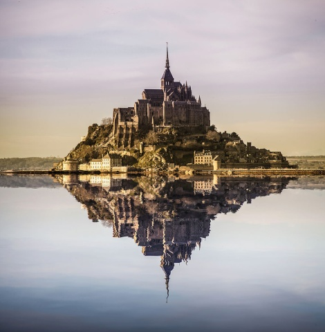 You, too, can take this beautiful image of Mont Saint-Michel, using this Photoshop tutorial offered by the artist. Photograph by Andrés Nieto Porras, courtesy Flickr. CC-BY-SA-2.0