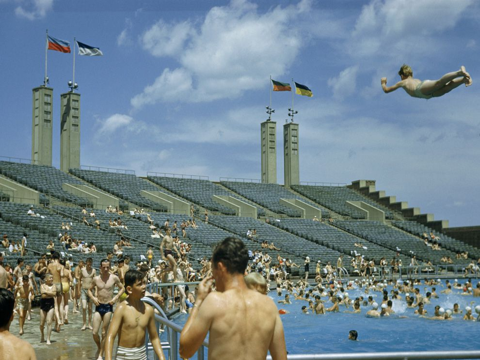 How much pee is in your pool national geographic education blog for Flushing meadows swimming pool
