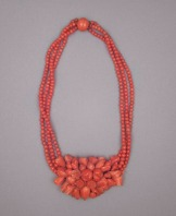 The legality of trade in coral products, like this beautiful 19th century necklace, is dependent on the species. Photograph courtesy Los Angeles County Museum of Art. Public domain